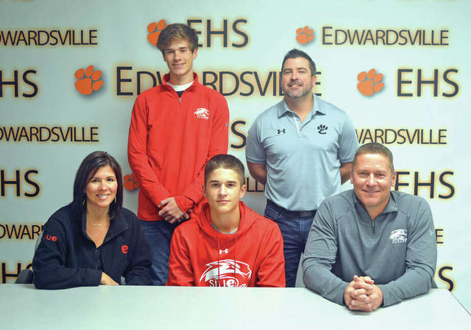 Edwardsville senior Josh Ohl signed to play baseball at SIUE. In the front row, from left to right, are mother Angie Ohl, Josh Ohl and father D.J. Ohl. In the back row, from left to right, are brother Jake Ohl and EHS coach Tim Funkhouser. Photo: Scott Marion/Intelligencer
