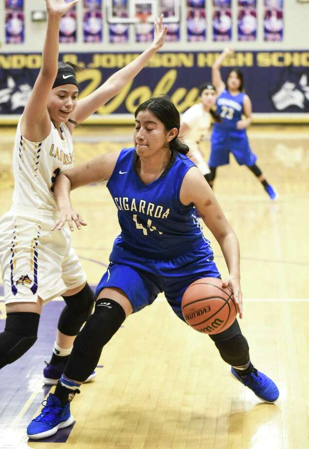 Frances Guzman scored 22 points in a pair of wins Thursday as Cigarroa 49-31 over Rowe and 48-20 over San Diego on the opening day of the Border Brawl Tournament. Photo: Danny Zaragoza /Laredo Morning Times File