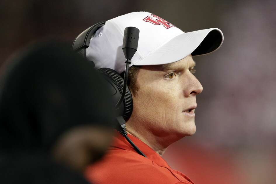 Houston head coach Major Applewhite during the first half of their football game against Tulane Thursday, Nov. 15, 2018 in Houston, TX.