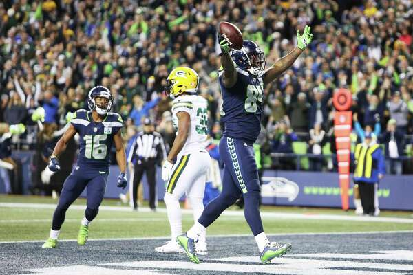 Seahawks tight end Ed Dickson celebrates his fourth quarter touchdown during Seattle's game against Green Bay, Thursday, Nov. 15, 2018, at CenturyLink Field.