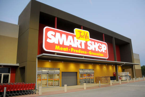 The discount grocer Joe V's Smart Shop will open a Pasadena location in December.