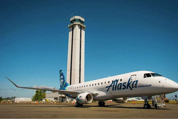 An Alaska/Horizon E175 at Paine Field in Everett, Washington.