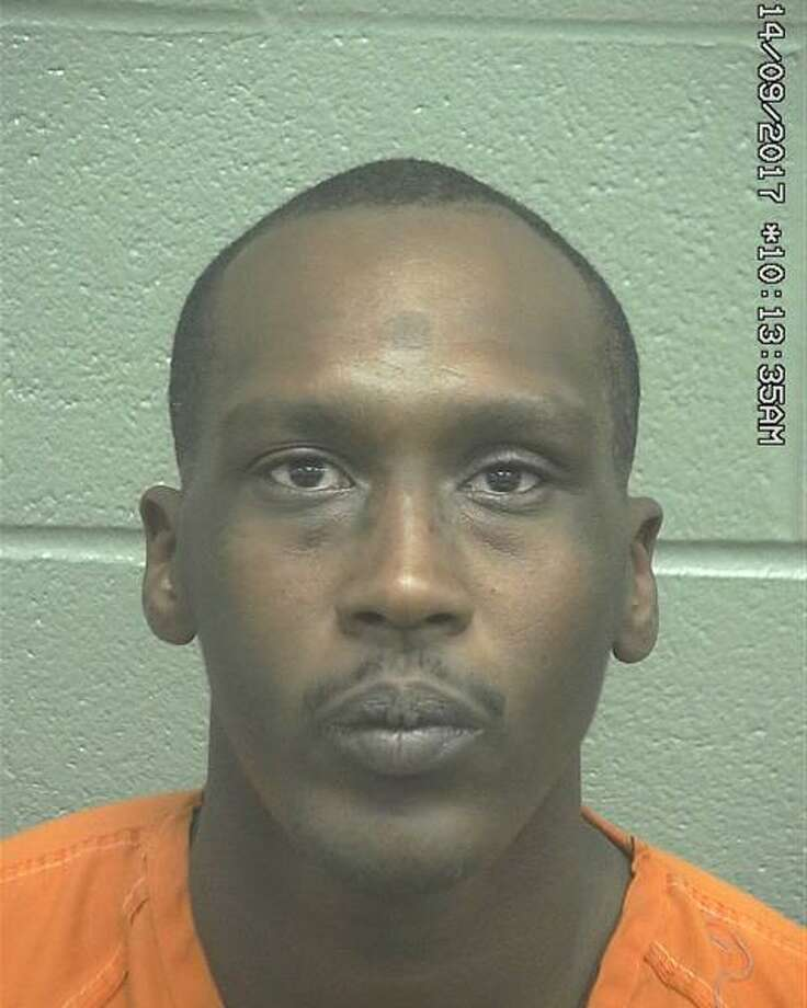 FUGITIVE OF THE WEEK: Damarcus Bean, 30, is wanted on aAggravated Robbery – Grand Jury Indictment warrant. Photo: Midland Crime Stoppers