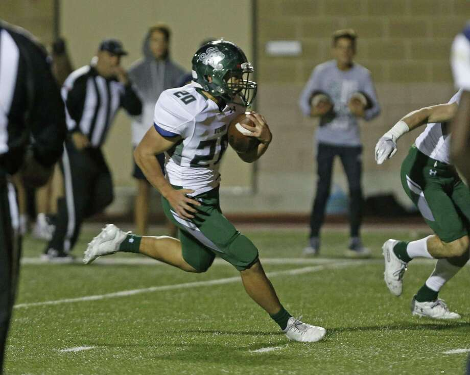 Reagan's Jacob Cho scores on a run. O'Connor vs Reagan at Farris Stadium on Friday, November 16, 2018 Photo: Ronald Cortes/Contributor / 2018 Ronald Cortes