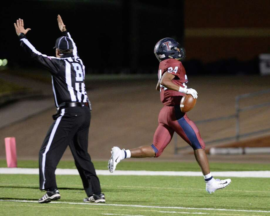 R.J. Smith (24) of Tompkins scores a touchdown in the third quarter of a Class 6A Div. II Reg. III bi-district playoff game between the Tompkins Falcons and the Elkins Knights on Friday, November 16, 2018 at Rhodes Stadium, Katy, TX. Photo: Craig Moseley, Houston Chronicle / Staff Photographer / ©2018 Houston Chronicle