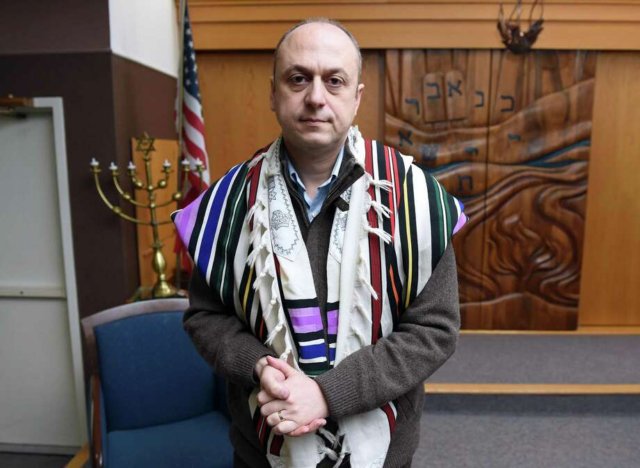 Rabbi Michael Farbman in photographed at Temple Emanuel of Greater New Haven in Orange on Nov. 16, 2018. Photo: Arnold Gold / Hearst Connecticut Media / New Haven Register