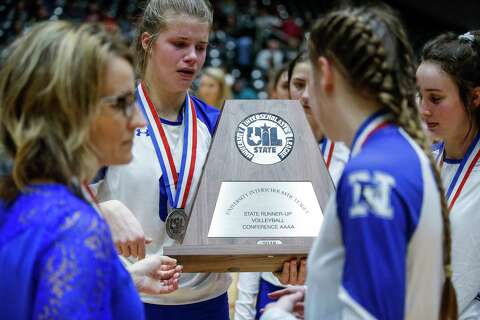 Needville's state title defense falls short in loss to Decatur