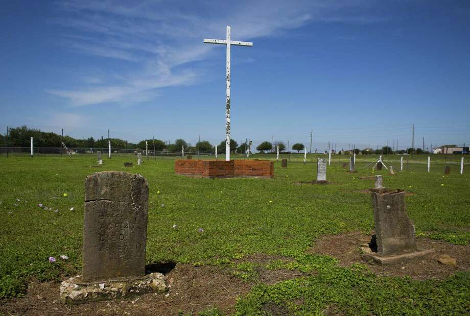 The Old Imperial Farm cemetery, where bodies of workers believed to have been part of a convict leasing system in Sugar Land. Fort Bend ISD and the Texas Historical Commission have identified a historic cemetery on the site of a new technical center under construction near the area. Photo: Mark Mulligan, Houston Chronicle / Houston Chronicle / © 2018 Houston Chronicle