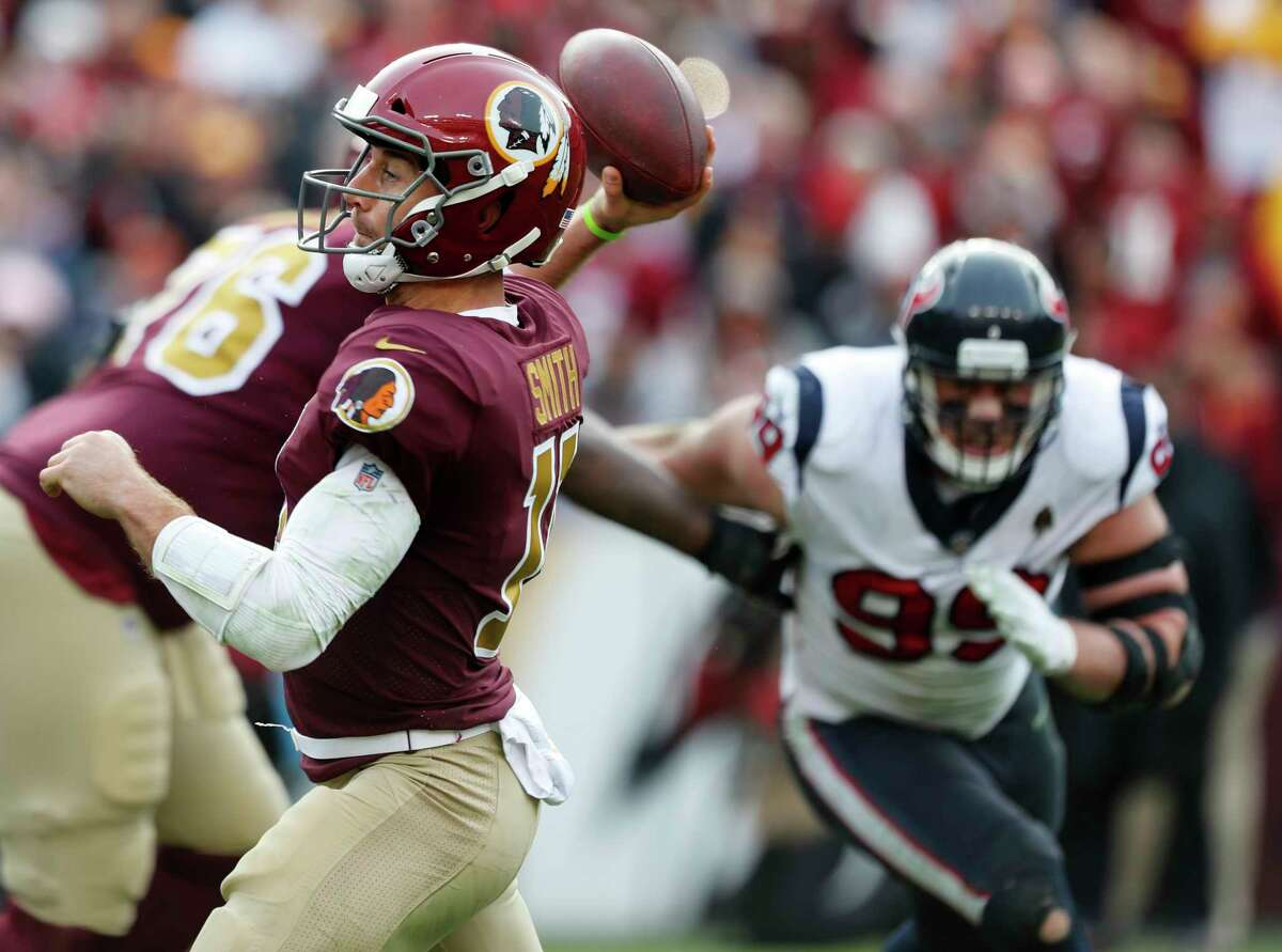 After making an amazing comeback with Washington last season after a grotesque knee injury suffered two years ago against the Texans, veteran quarterback Alex Smith is a free agent.