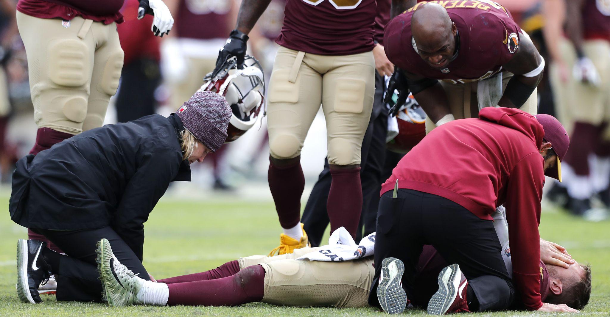 Washington Qb Alex Smith Suffers Gruesome Broken Leg Colt Mccoy Steps In
