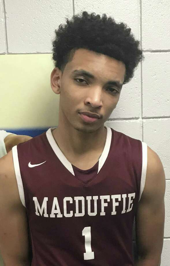 UConn commit James Bouknight impressed at Sunday's National Prep Showcase at Albertus Magnus. Photo: Jeff Jacobs / Hearst Connecticut Media