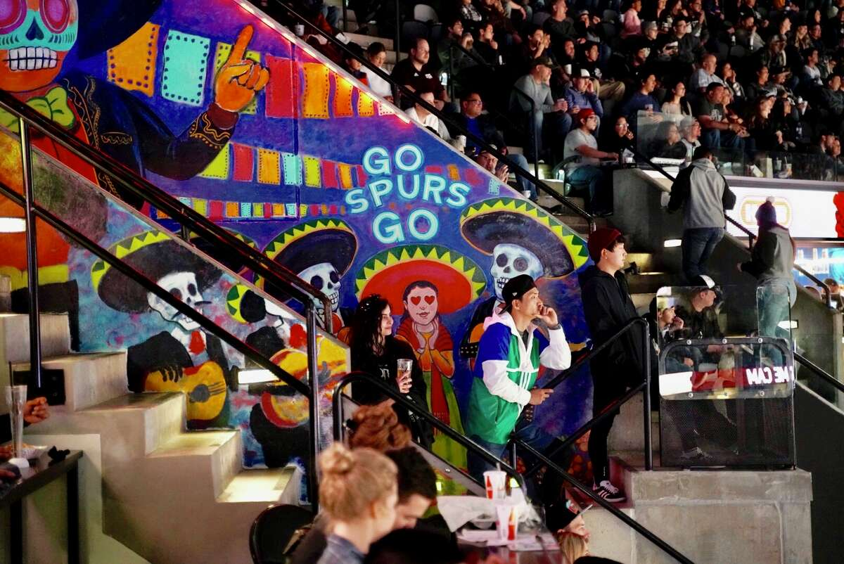 San Antonio Spurs fans got their first state of local favorites inside the AT&T Center with the Grand Opening of La Gloria and Burgerteca on November 18, 2018.