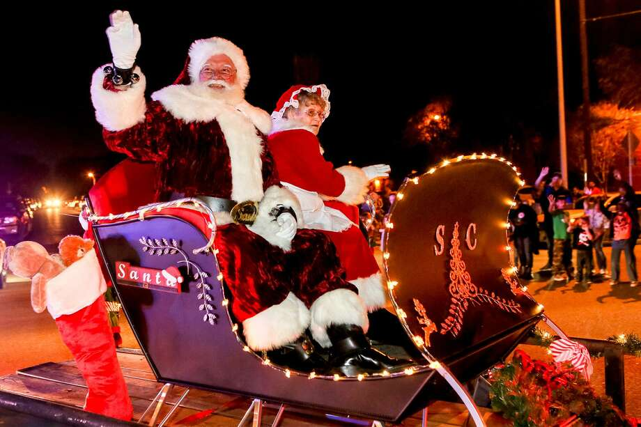 Santa and Mrs Claus arrive during Schertz's Festival of Angels celebration in 2017. The annual event is getting a new look and name this year. Photo: Marvin Pfeiffer /Staff File Photo / Express-News 2017