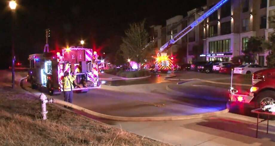 Fire Damages Sugar Land Apartment Building Houston Chronicle