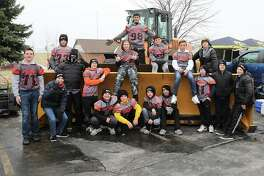 Twenty players from the Little Tigers Football organization made the trip Saturday to the Illinois-Iowa football game. The players were able to watch LTF alum and Edwardsville High School graduate AJ Epenesa play defensive end for the Iowa Hawkeyes. Prior to the game, the players were able to watch pregame warmups from the field.