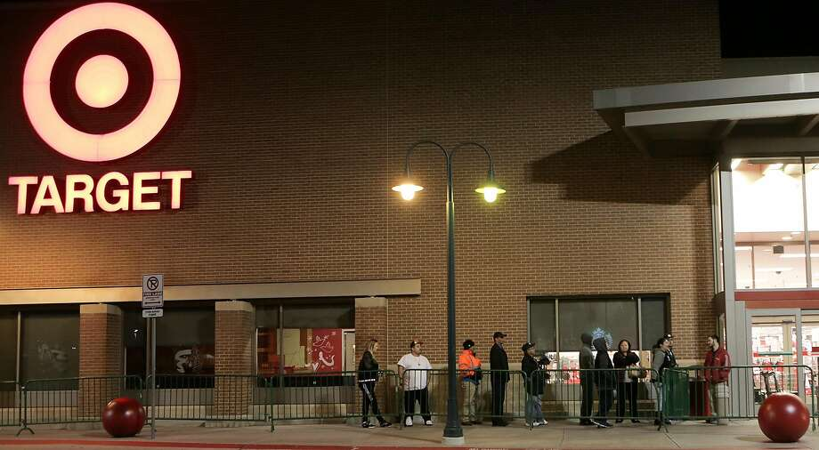 Shoppers line up for Black Friday deals at Target last year in Houston. Photo: Elizabeth Conley / Houston Chronicle