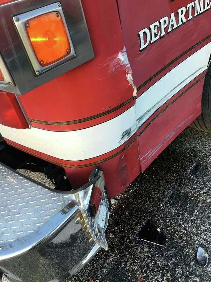 Midland fire engine struck at accident scene - Midland Daily News