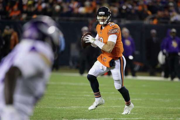 CHICAGO, IL - NOVEMBER 18: Quarterback Mitchell Trubisky #10 of the Chicago Bears looks to pass in the second quarter against the Minnesota Vikings at Soldier Field on November 18, 2018 in Chicago, Illinois. (Photo by Jonathan Daniel/Getty Images)