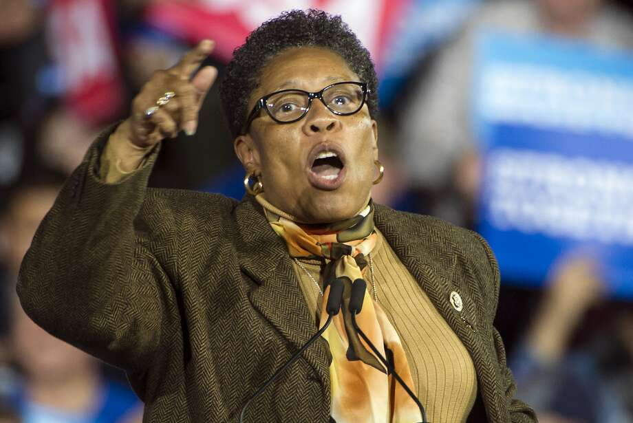 FILE - In this Nov. 6, 2016, file photo, Rep. Marcia Fudge, D-Ohio, speaks at a campaign rally for then-Democratic presidential candidate Hillary Clinton in Cleveland. Fudge, who is considering a run for speaker of the House, is walking back her past support for a man suspected of stabbing his ex-wife. Fudge was among several officials who wrote letters of support over recent years for Lance Mason, a former county judge and state senator who pleaded guilty in 2015 to beating Aisha Fraser Mason so badly that her face required reconstructive surgery. (AP Photo/Phil Long, File) Photo: Phil Long, Associated Press
