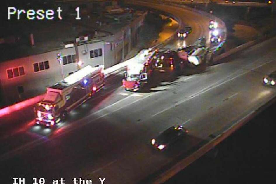 San Antonio police confirmed the accident at about 5:30 a.m. on Wednesday. Traffic cameras show crews working to clear the wreckage, though it's unclear how long the exit will be closed.