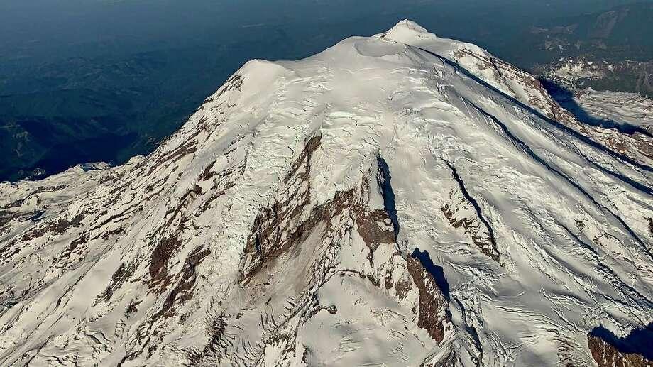 The view of Mt. Rainier from Alaska Airlines flight 401 on Tuesday. Photo: Photo Courtesy Tom Davis Via KOMO News