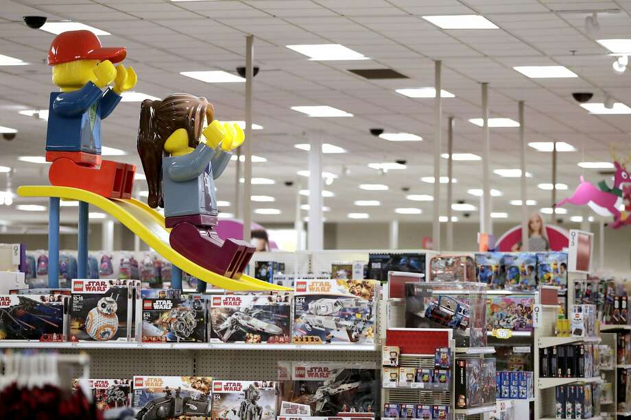 Stores seek free-agent shoppers - Times Union