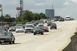 A repair project to the overpass on Interstate-45 at the Rayford Road/Sawdust Road interchange that begins in early January is expected to cause night-time and weekend closures of both the southbound and northbound lanes of I-45. In this file photograph, commuters from The Woodlands area travel south on I-45 in 2015, in The Woodlands. ( Brett Coomer / Houston Chronicle )