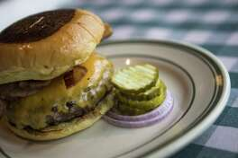 Bacon cheeseburger at B.B. Lemon