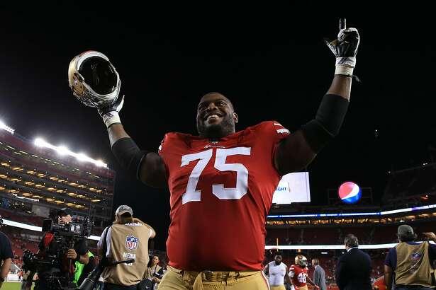 SANTA CLARA, CA - NOVEMBER 01: Laken Tomlinson #75 of the San Francisco 49ers walks off the field after defeating the Oakland Raiders 34-3 in their NFL game at Levi's Stadium on November 1, 2018 in Santa Clara, California. (Photo by Daniel Shirey/Getty Images)