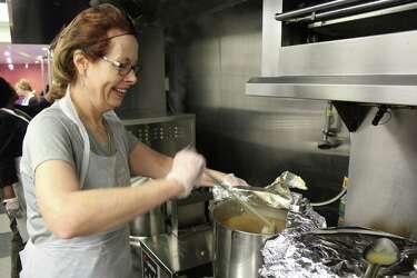 Super Thanksgiving Meals Provide Warm Respite At Stamford Soup Download Free Architecture Designs Xerocsunscenecom