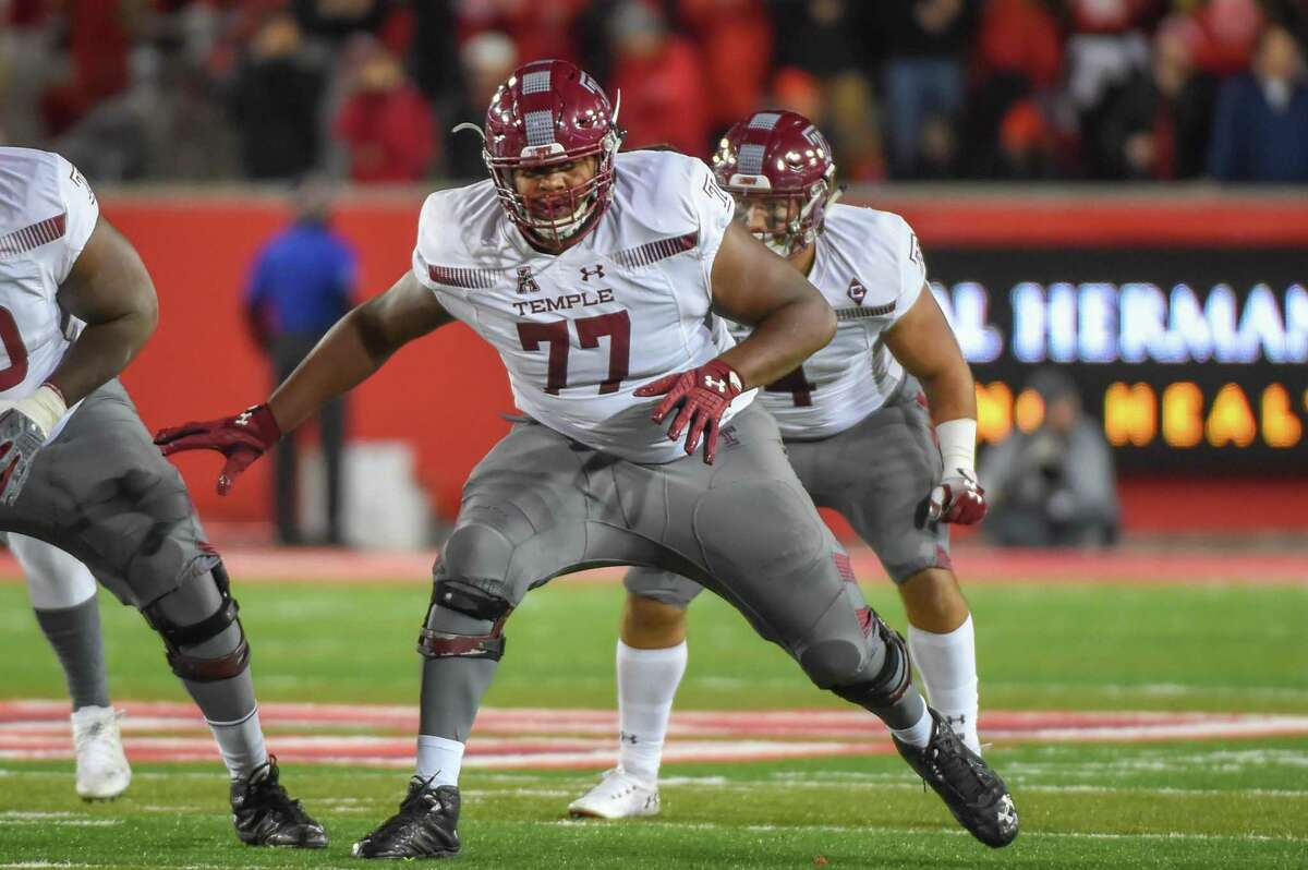 Offensive lineman Jaelin Robinson (77) and Temple face UConn on Saturday at Rentschler Field.