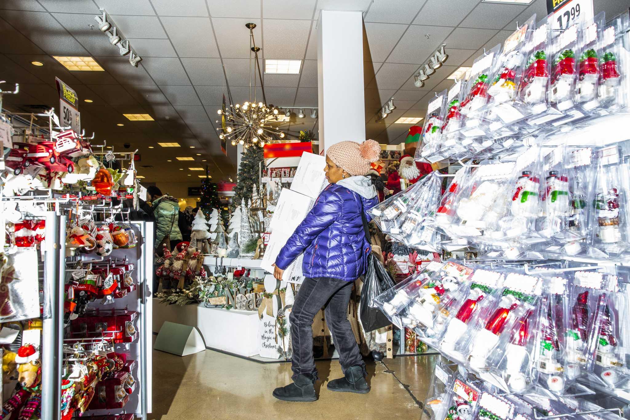 Old-school retailers stumble into holiday spending weekend - San ...