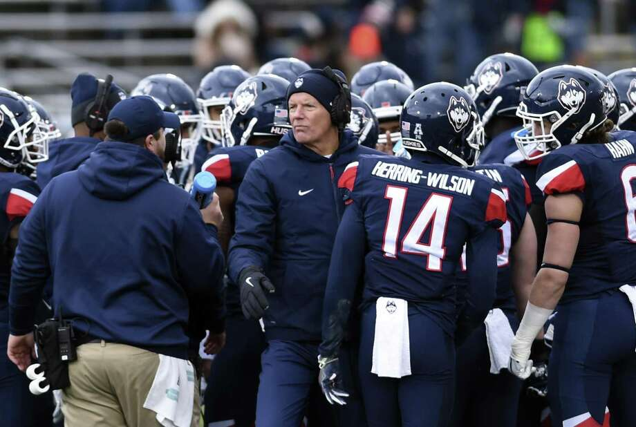 UConn coach Randy Edsall walks out of a huddle during a timeout in a Nov. 10 game against SMU. Photo: Stephen Dunn / Associated Press / Copyright 2018 The Associated Press. All rights reserved