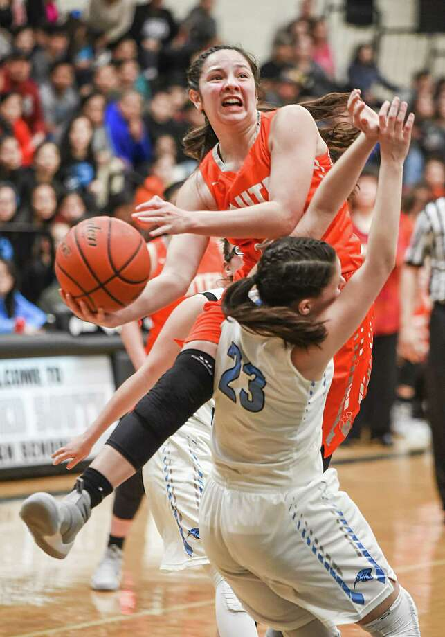Natalia Trevino and United defeated Harlingen South 67-31 Saturday. In the win, Trevino reached 2,000 career points. Photo: Danny Zaragoza /Laredo Morning Times