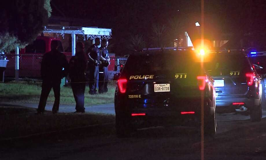 San Antonio police say one man is dead following an overnight shooting on the East Side Sunday Nov. 25, 2018. Photo: 21 Pro Video