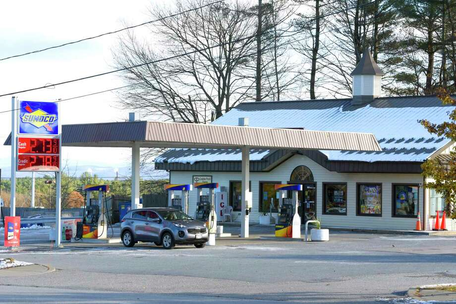 A view of the Sunoco gas Station at 532 Aviation Road on Wednesday, Nov. 14, 2018, in Queensbury, N.Y. (Paul Buckowski/Times Union) Photo: Paul Buckowski, Albany Times Union / (Paul Buckowski/Times Union)