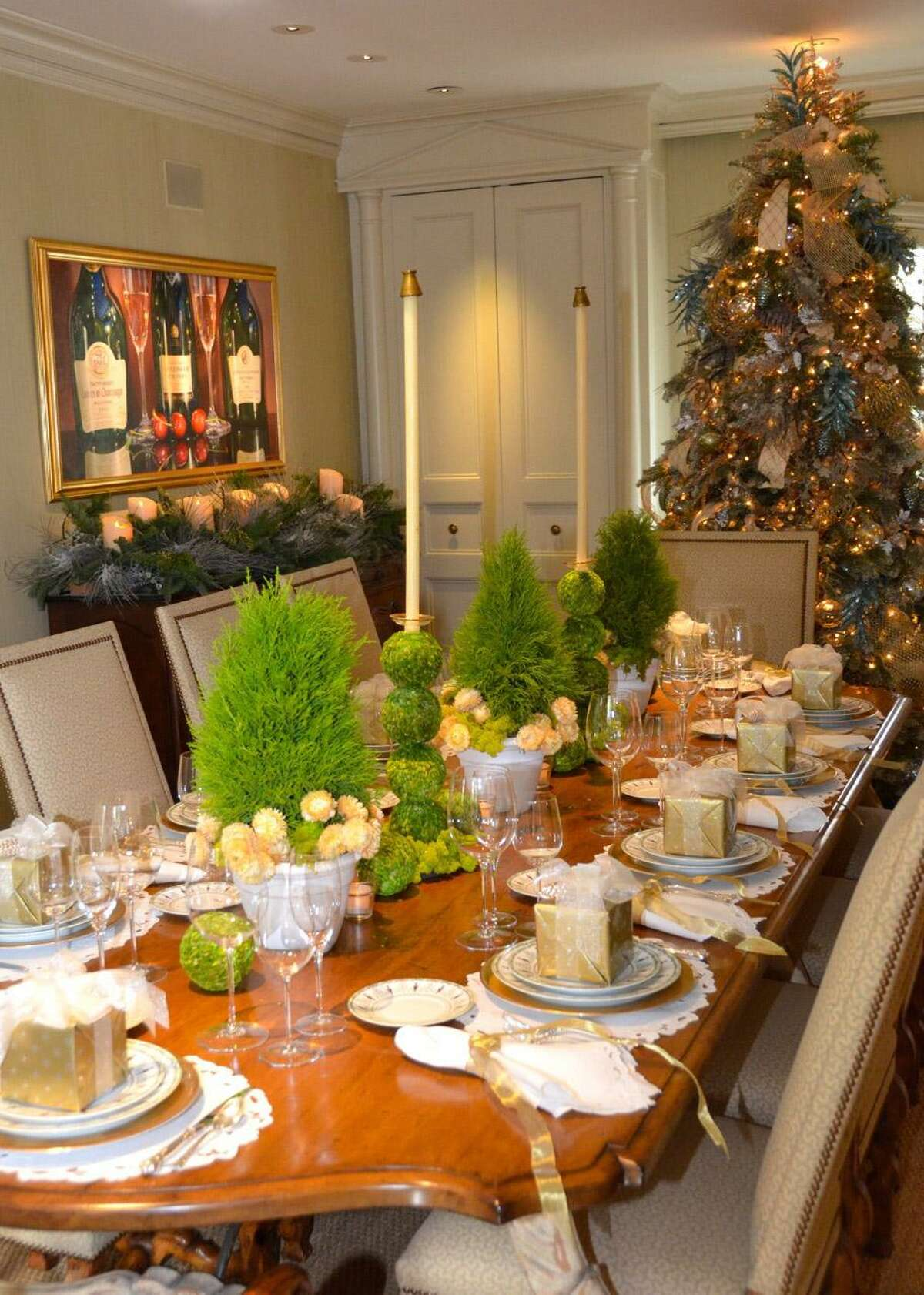 The Kappa Kappa Gamma Charitable Foundation presents Holiday Pilgrimage 2018 with four beautiful homes decorated for the holidays.