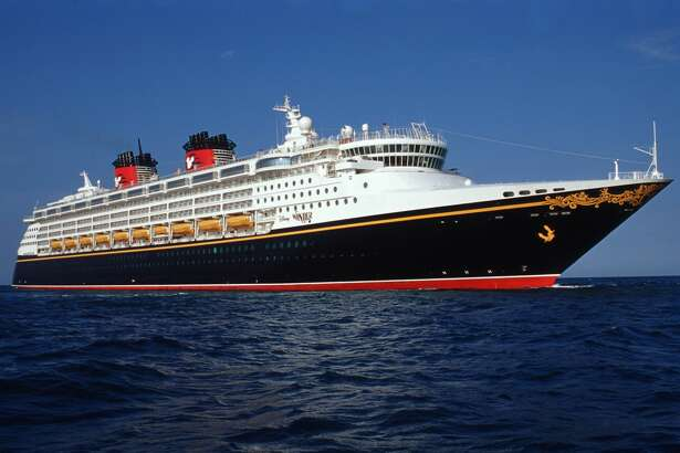 The Disney Wonder embodies the Disney Cruise Line tradition of blending the elegant grace of early 20th century transatlantic ocean liners with contemporary design to create a stylish and spectacular cruise ship. On the Disney Wonder, adults find relaxation and indulgence, children engage in magical adventures and families create memories together.