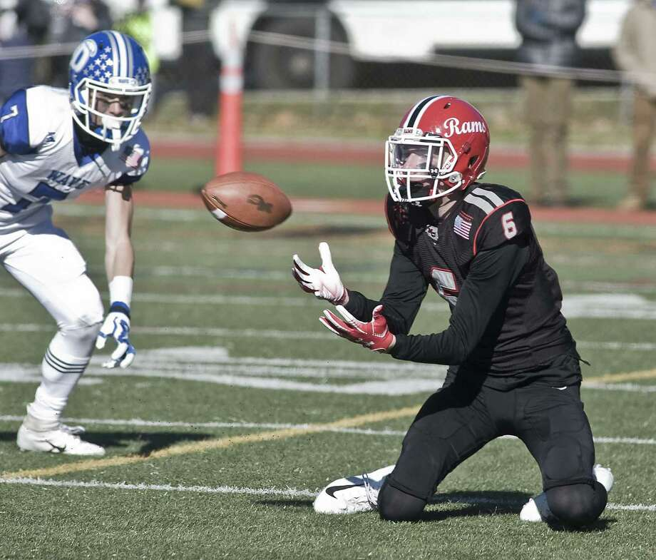 New Canaan High School's Wyatt Wilson making a reception in the Thanksgiving game against Darien High School, played at Stamford High School. Thursday, Nov. 22, 2018 Photo: Scott Mullin / For Hearst Connecticut Media / The News-Times Freelance