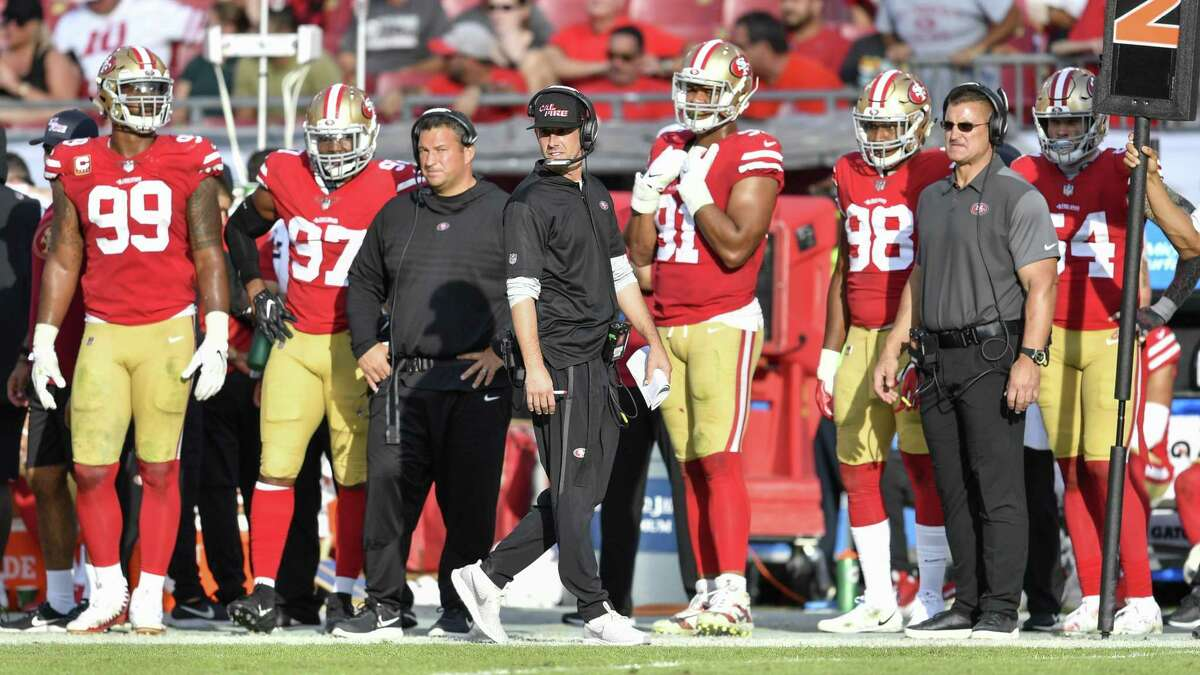 TAMPA, FL - NOVEMBER 25: San Francisco 49ers head coach Kyle Shanahan paces the sideline during the second half of an NFL game between the San Francisco 49ers and the Tampa Bay Bucs on November 25, 2018, at Raymond James Stadium in Tampa, FL. (Photo by Roy K. Miller/Icon Sportswire via Getty Images)