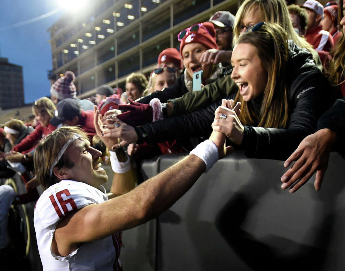 1. Gardner Minshew is a special player Sometimes, graduate transfer players can be a mixed bag. Just ask Oregon about Dakota Prukop's short career as a Duck. Other times though, teams get a player like Gardner Minshew. After two middling seasons at East Carolina with a total of 3,487 yards, a 58.05 percent completion percentage and a 24/11 TD/INT ratio, Minshew absolutely tore it up as a Coug. With the regular season over, Minshew leads the country with 4,477 passing yards. Equally impressive is the fact that he completed 70.6 percent of his passes, and threw 36 touchdowns against just nine interceptions. Combine that stellar play with a superb mustache and easygoing charisma and you have one of the best seasons from a Pac-12 quarterback in recent memory. The pain of the Apple Cup loss will likely obscure some of Minshew's accomplishment, but one bad game shouldn't define an otherwise incredible year. It wouldn't be a shock to see some NFL teams taking a long look at his game film from this season.