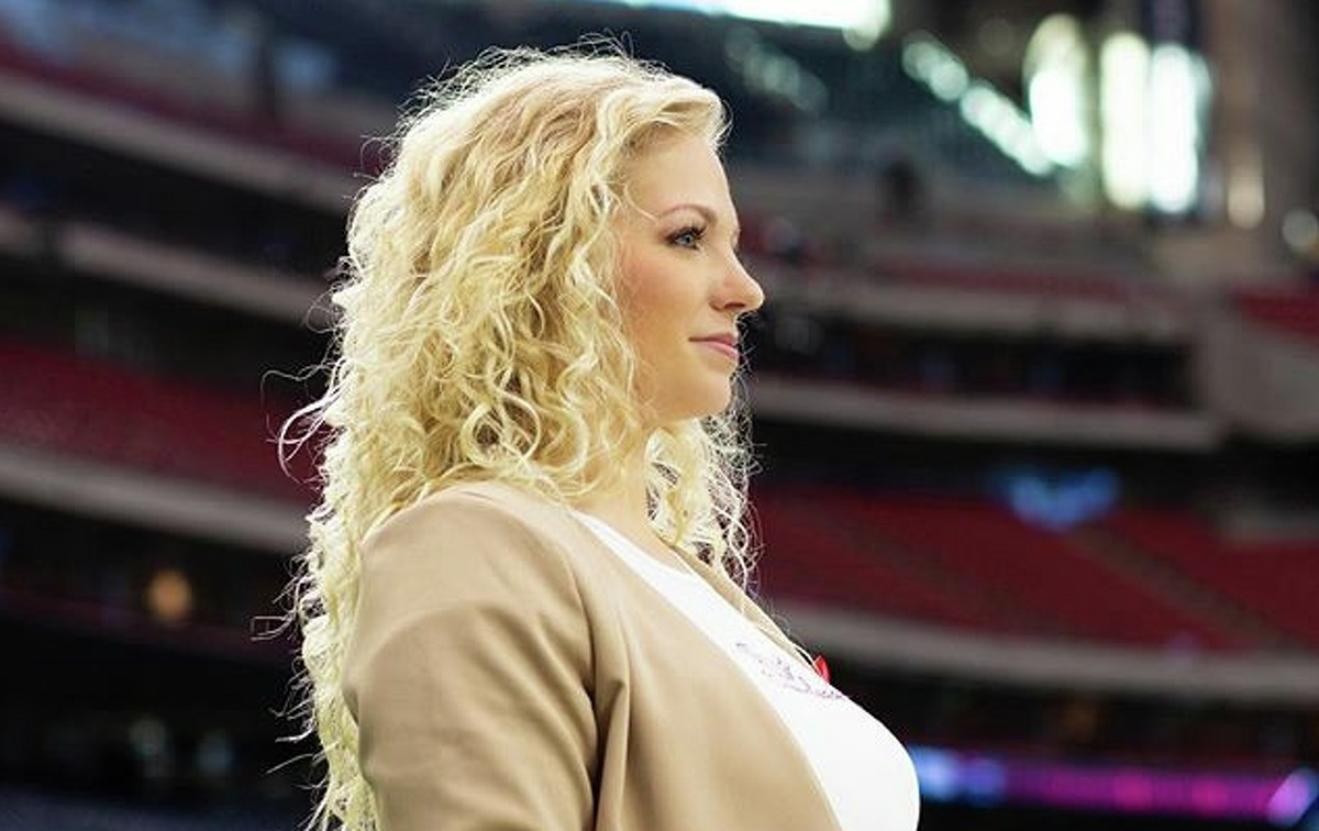 PHOTOS:Things to know if you want to try out for the Houston Texans cheerleader squad The Texans cheerleaders - rocked by a series of lawsuits last summer - announced Casey Potter as the new coach on Instagram after Monday's game against the Titans. >>>If you plan on trying out to be a Houston Texans cheerleader, here's a few things you should know before you attend tryouts ...