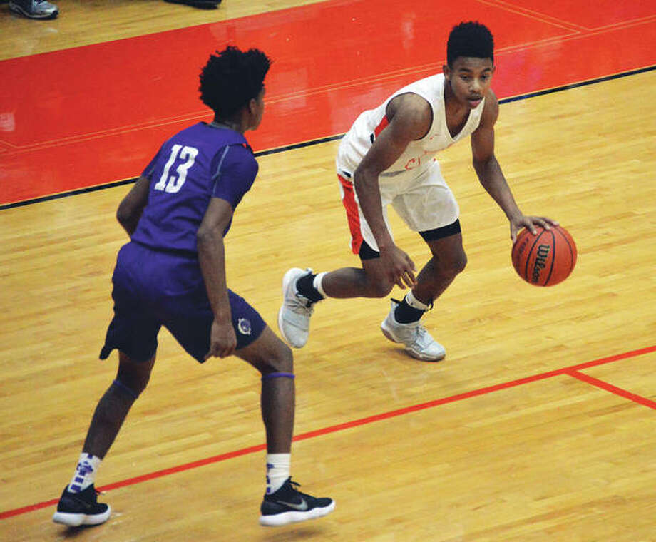 Edwardsville point guard Malik Robinson in action against Collinsville during his junior season in a game inside Lucco-Jackson Gymnasium. Photo: Matt Kamp/Intelligencer