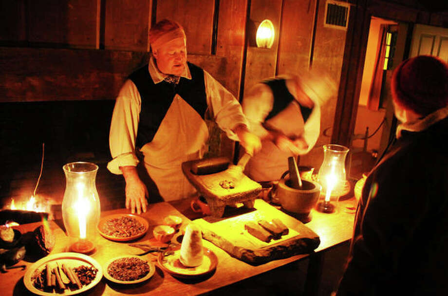 Greenfield Village Christmas.Dearborn S Greenfield Village Shows Christmas Through The