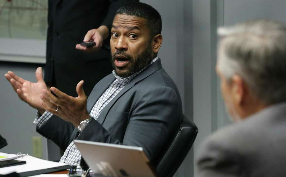 "City Council member William ""Cruz"" Shaw, shown here at a council meeting Nov. 27, has taken a position as an associate juvenile judge, though budgeters had recommended this post and another not be funded. Photo: Bob Owen /San Antonio Express-News / ©2018 San Antonio Express-News"