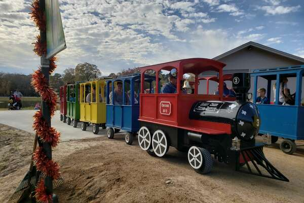 The Christmas season was ushered in this past weekend with Jasper's annual Christmas in the Park. Engine No. 3 made its annual trek through Sandy Creek Park.
