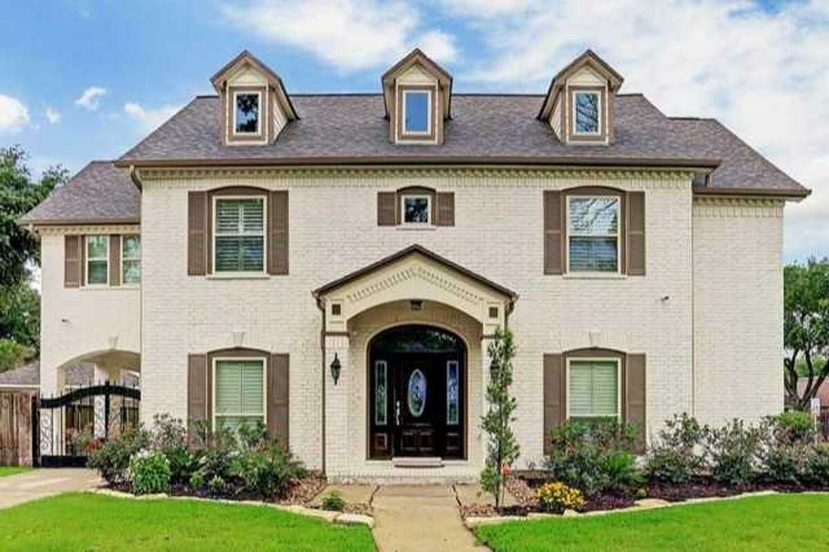 Go inside Houston homes priced at the city's average, $300,000.