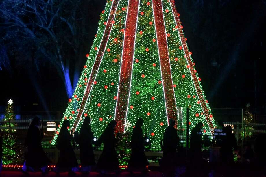 President And First Lady On Hand For Lighting Of National Christmas