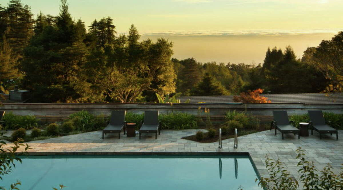 Ventana Big Sur is a luxury retreat with glampsites and an infinity hot tub overlooking the Pacific. It also just sold for a record-breaking per-room sum.