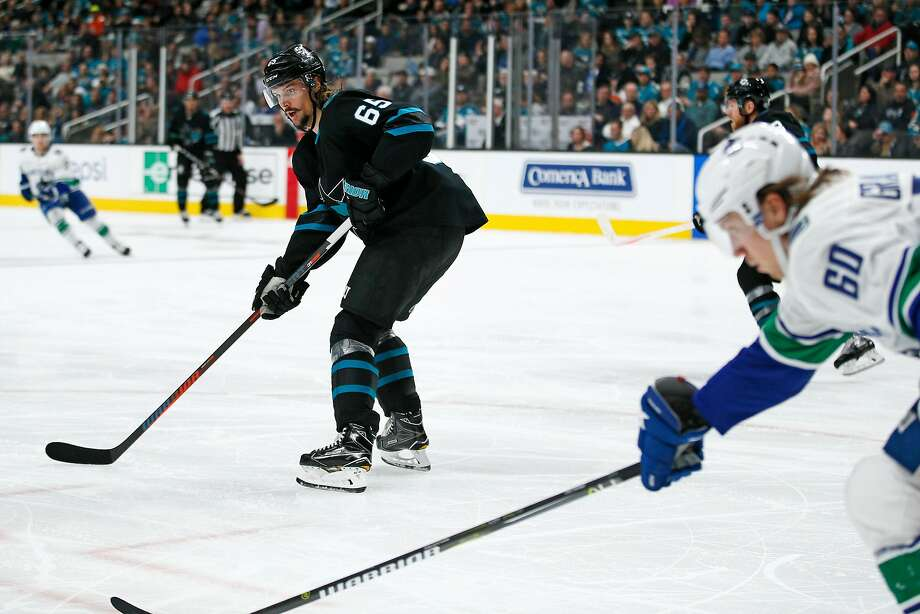 San Jose Sharks defenseman Erik Karlsson (65) in an NHL game against the Vancouver Canucks at SAP Center on Friday, Nov. 23, 2018, in San Jose, Calif. Photo: Santiago Mejia / The Chronicle